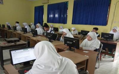 SMPN 1 Ciledug Kab. Cirebon menuju Sukses UNBK