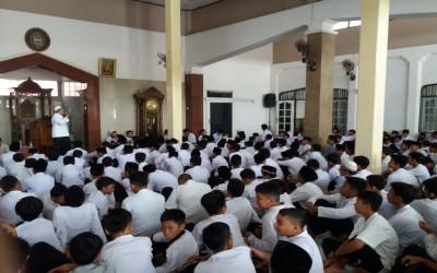 DKM & OSIS SMPN Ciledug : Makna Maulid Nabi pada siswa jaman now